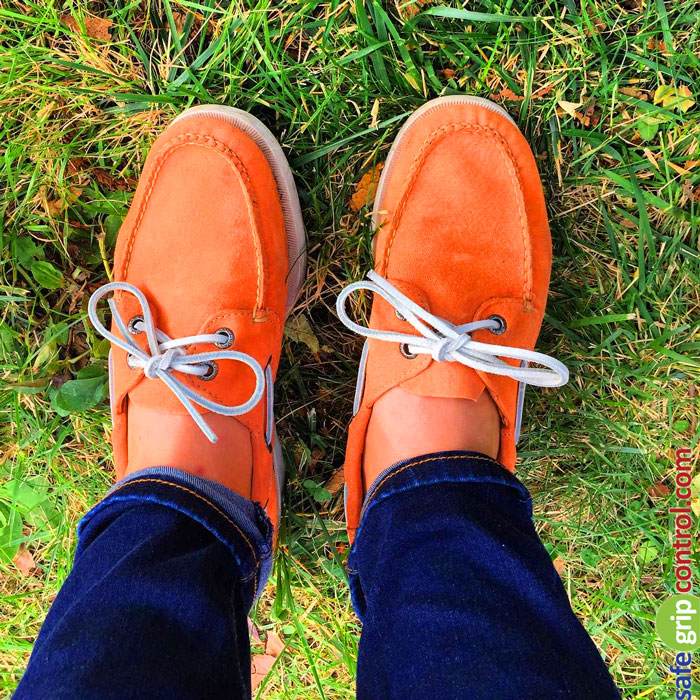 Note that you can give your orange boat shoes a boost with white leather shoe strings and a nice pair of dark blue jeans.